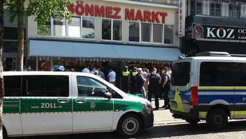 ohne masken und abstand - großrazzia in hamburg zeigt massive corona-verstöße: geschäfte sofort dicht gemacht