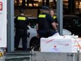Schüsse und Messerstiche auf Baumarkt-Parkplatz – gezielter Angriff