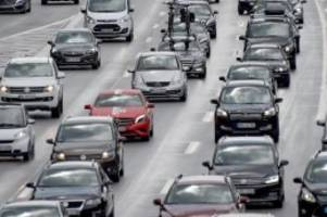Verkehr: Lange Ferien-Staus auf Hamburger Autobahnen