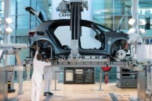 Autoindustrie: Chipmangel bremst weiterhin den deutschen Markt für Neuwagen