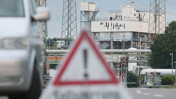 Unfall in Leverkusen - Chempark-Explosion: Abfälle aus Agrar-Chemie-Produktion