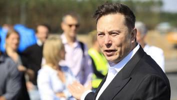"""tesla-boss - angestellte von musk-firma müssen ihn """"großer anführer"""" nennen"""