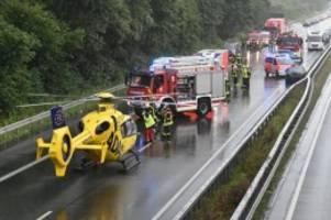 Straßenverkehr: NRW: 17 Verletzte bei zwei Unfällen auf A31
