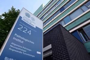 Chef-Pathologe der Uni Heidelberg drängt auf Obduktionen von Geimpften