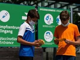 Schneller als die STIKO: Spahn-Ministerium will Jugendliche impfen