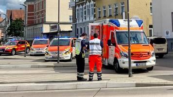 Detmold: Autofahrer verletzt vier Personen – Fahndung mit Hubschrauber