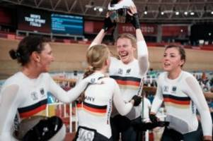 Olympia 2021: Olympia-Gold: Verrückte Weltrekordshow des Bahnrad-Vierers