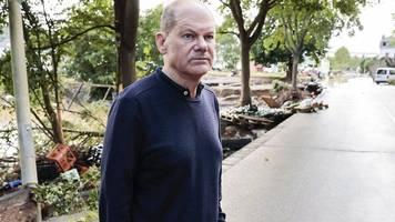 Flutkatastrophe in Deutschland: Laschet und Scholz besuchen Stolberg