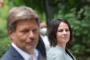 Moortherapie: Baerbock und Habeck stellen Klimapaket vor
