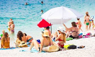 Drei Viertel der Berufstätigen sind auch im Urlaub erreichbar