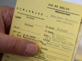Ermittlungen gegen 17 Greise: Justiz will verbliebene NS-Schergen anklagen