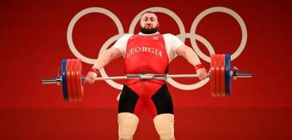 Olympia 2021: Gewichtheber Lascha Talachadse - Der Mann, der an einem Tag fünf Weltrekorde aufstellte