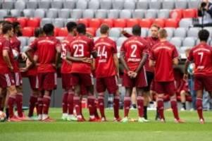 FC Bayern München: Gute Bande beisammen: Auftritt der Bayern-Stars mit Zverev