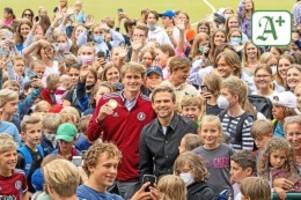 Besuch beim Uhlenhorster HC: So feiert Hamburg den strahlenden Tennis-Olympiasieger