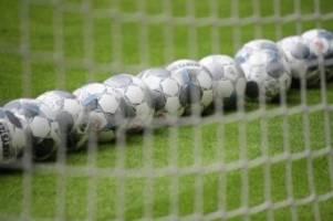 Fußball: Werder Bremen verleiht Stürmer Badjie an Halleschen FC