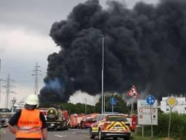 nach explosion in leverkusen: chempark-betreiber informiert über tank-inhalt