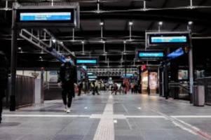 Bahn: Streik behindert zu Wochenbeginn weiter Bahnverkehr