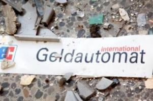 Kriminalität: Unbekannte sprengen zwei Geldautomaten in Oldenburg
