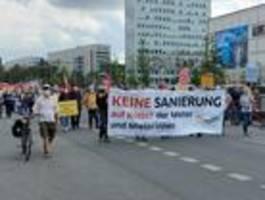 Tausende marschieren durch die Hauptstadt