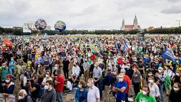München: IAA-Gegner kritisieren Polizei – Innenminister verteidigt Polizeieinsatz