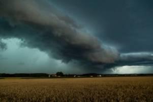 gewitter: tiefdruckgebiet roland: in ganz deutschland drohen unwetter