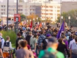 Protest gegen Höcke in Dresden: Demonstranten übertönen Pegida-Event