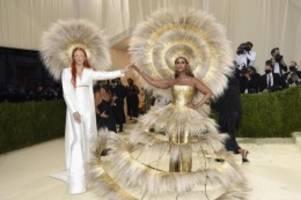 Haben wieder Flügel: Stars feiern US-Mode bei Met-Gala in New York