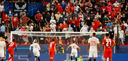 Champions League: Vier Elfmeter bei FC Sevilla gegen RB Salzburg – Young Boys Bern schlagen Manchester United