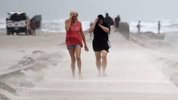 unwetter: nicholas erreicht als hurrikan texas und schwächt sich ab