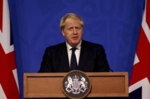 Großbritannien: Medien: Johnson baut noch heute sein Kabinett um