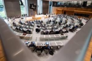 Landtag: Thema Wolf beschäftigt Landtag auch nach Sommerpause