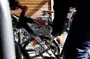 Polizei stellt Fahrraddieb in Augsburg auf frischer Tat