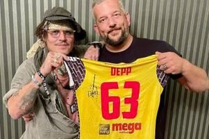 Versteigerung geplant: Jonny Depp signiert Suhl-Trikot