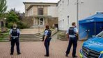 synagoge in hagen: vier festnahmen, ein mögliches motiv und großes entsetzen