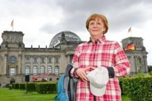 Ausstellungen: Merkel als Wanderin bei Madame Tussauds