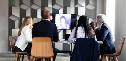büro und homeoffice: manche vor ort, manche daheim – so gelingen hybride meetings