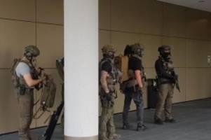 Kriminalität: Großeinsatz der Polizei in Düsseldorfer Hotel