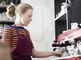 bezahlung: zwölf euro mindestlohn hilft frauen am meisten