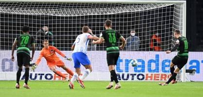 Nach Zeefuiks Elfmeter-Tritt wacht Hertha endlich auf – Die Highlights im Video