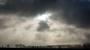 viele wolken am wochenende: etwas regen am sonntag