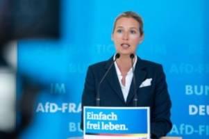 Meinungsforschungsinstitut: Umfrage sagt AfD-Sieg bei Bundestagswahl in Sachsen voraus