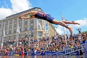 sport in hamburg: triathlon startet heute auf dem rathausmarkt