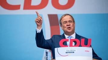 Laschet und Union holen leicht auf – FDP büßt Zustimmung ein