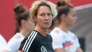 dfb-frauen: nationalspielerinnen pauken für den ersten trainerschein