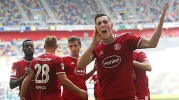 2. Liga: Regensburg bleibt Tabellenführer - H96 siegt deutlich