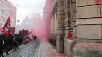 Wir sind alle LinX: Ausschreitungen bei Protest in Leipzig