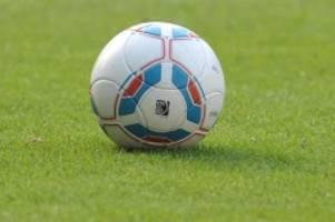 fußball: 0:2 im aufsteigerduell: viktoria verpasst tabellenspitze