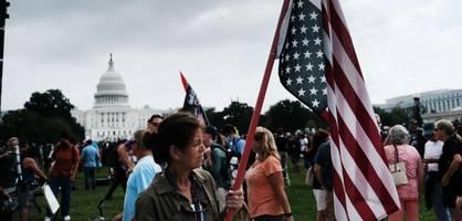 Nur wenige Trump-Anhänger bei Demonstration vor dem Kapitol