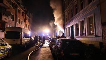 hamburg-harburg: wohnungsbrand – zwei tote,  15 personen gerettet