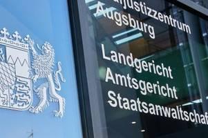 Reichsbürger-Verdacht: Mann gibt sich in Augsburg als Polizist aus